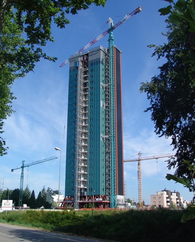 Torre di 24 piani 90 appartamenti e 1 ristorante redi for Piani di casa torre